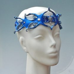 quartz-cobalt-leather-crown5